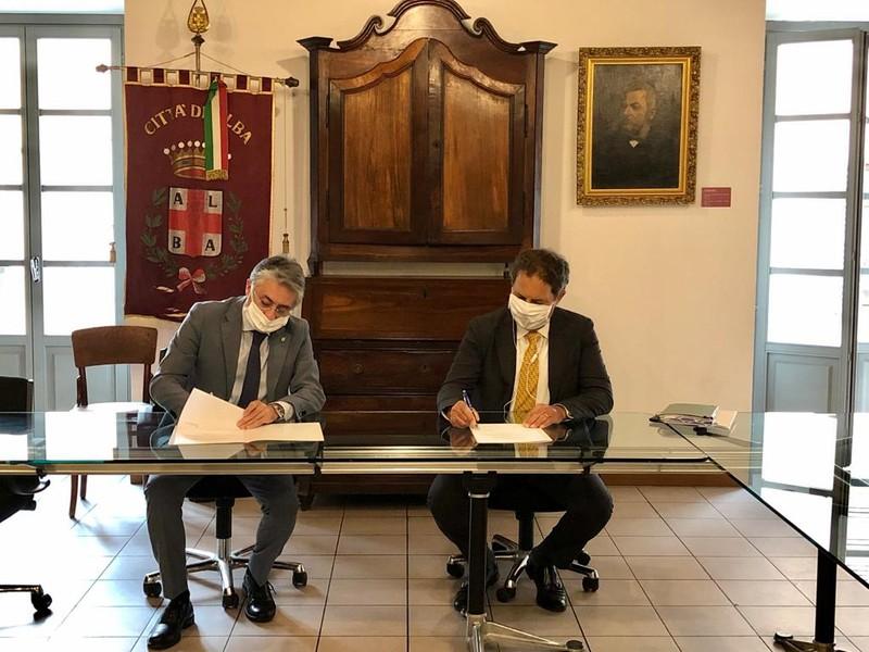 Alba: il Comune ed Egea firmano un accordo di sostegno per aiutare chi è in difficoltà a causa dell'emergenza Coronavirus
